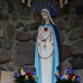 Odnowienie figury Matki Bożej w grocie
